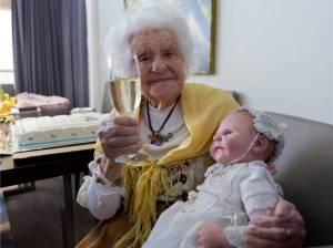 eleonore-kastner-besser-bekannt-als-oma-ella-feiert-ihren-1265918h