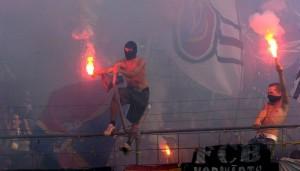 fcb-ultras-gehen-nach-dem-spiel-auf-fans-von-maccabi-los