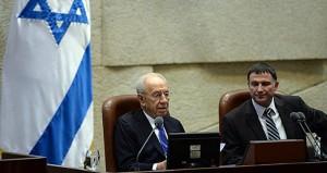 Noch-Präsident Peres und Knessetsprecher Edelstein feierten gemeinsam das 65-jährige Bestehen des israelischen Parlaments. Foto: Kobi Gideon