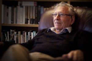 Der bedeutende Schriftsteller Amos Oz feierte seinen 75. Geburtstag. (Bild: Uzi Varon)