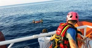 So wie hier vor der Insel Lampedusa nimmt die italienische Küstenwache auch viele palästinensische Flüchtlinge in Empfang und rettet sie aus Seenot. Foto: Guardia Costiera / flickr | CC-BY-NC 2.0